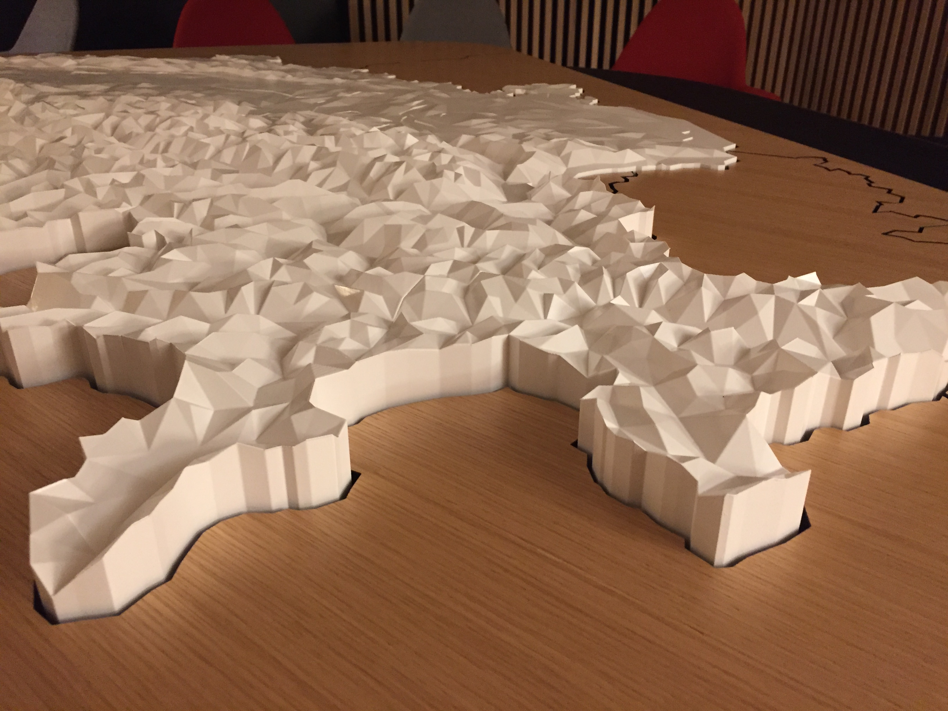 Low-Poly Karte der Schweiz in der Swiss Lounge A